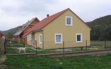 Dům ve STRADONICÍCH